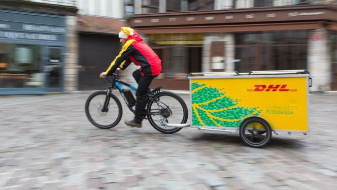 Le service de livraison de courses qui envoie un livreur à vélo plutôt qu'à scooter, en voiture ou en camion mérite votre préférence.