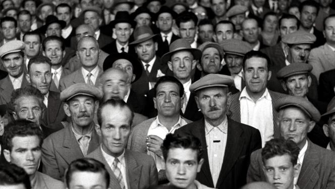 «Visages»(2018), documentaire de Cecilia Mangini etPaolo Pisanelli.Cette photo a été prise par la réalisatrice en 1966 à Rutigliano dans les Pouilles.