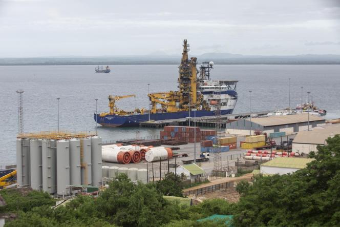 Port de Pemba, au nord du Mozambique, le 30 mars. Il sert de base logistique à la construction des infrastructures gazières off-shore.
