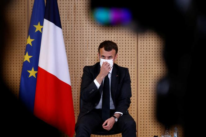 Le président de la République, Emmanuel Macron, lors d'une visite à l'hôpital de Reims (Marne), le 14avril.