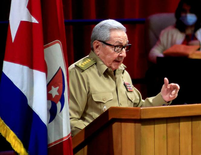 Raul Castro lors de l'ouverture du 8e congrès du Parti communiste cubain, à La Havane, le 16 avril.