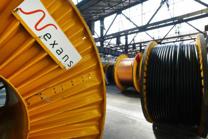 Photo de bobines prise le 11 juin 2002, à Bourg-en-Bresse, dans l'entreprise Nexans.