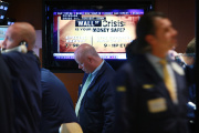 Des traders au New York Stock Exchange, le 15 octobre 2008, jour de la faillite de la banque Lehman Brothers.