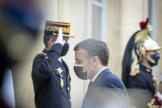 Emmanuel Macron au palais de l'Elysée à Paris, le 16 avril 2021.
