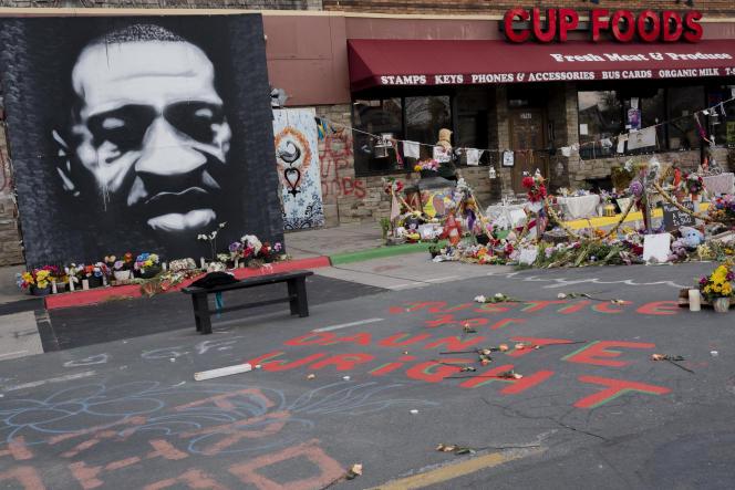 Denkmal zu Ehren von George Floyd, an der Kreuzung von 38th Street und Chicago in Minneapolis (Minnesota).