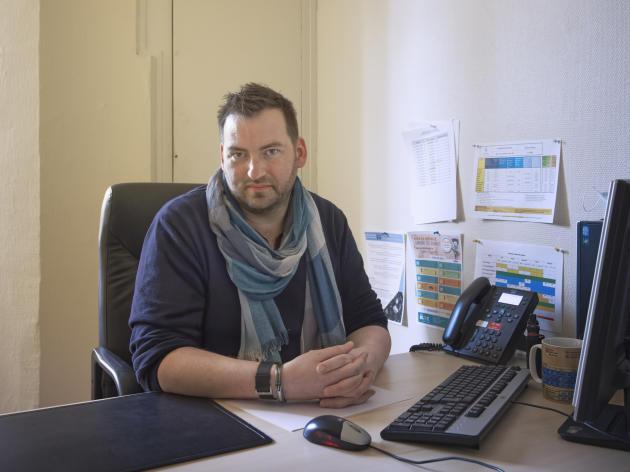 Daniel Pinède, psychiatre, responsable du centre de ressources pour intervenants auprès d'auteurs de violences sexuelles d'Ile-de-France Nord-Est, à Neuilly-sur-Marne (Seine-Saint-Denis), le 8 avril.