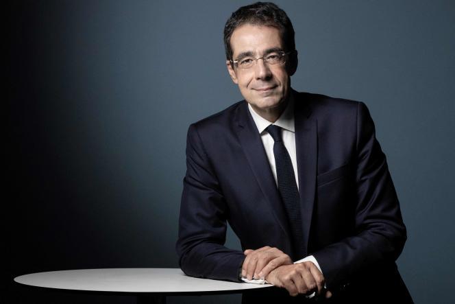 Darius Rochebin, ancien présentateur du journal de la chaîne publique Radio-Télévision suisse (RTS), en septembre 2020.