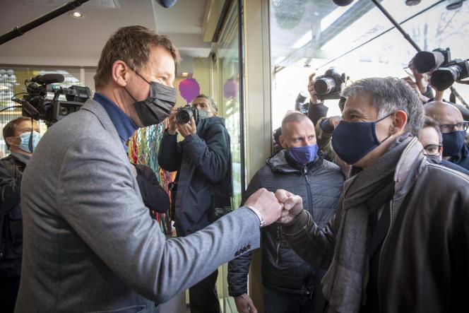 Yannick Jadot et Olivier Faure participent à la réunion des gauches, à Paris, samedi 17 avril.