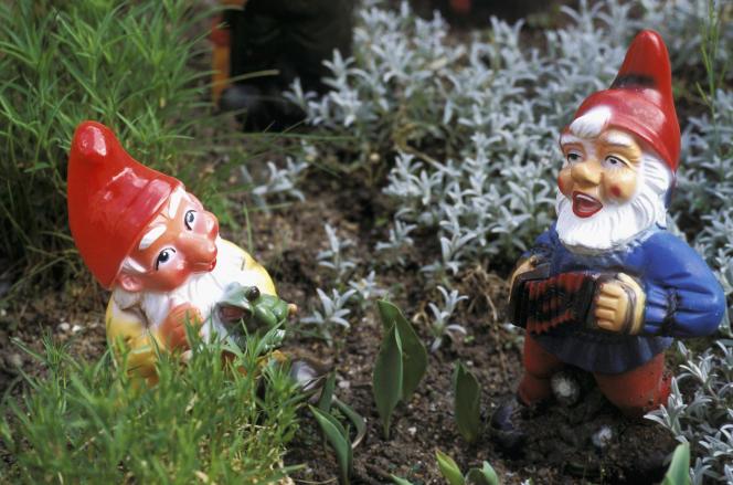 Les Britanniques aiment depuis le XIXe siècle placer ces petits personnages barbus au cœur de leur jardin.