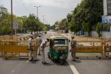 Point de contrôle à New Delhi, le 17 avril.