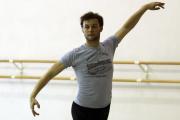 Le danseur et chorégraphe Liam Scarlett travaillant pour le Ballet de Miami, en Floride.
