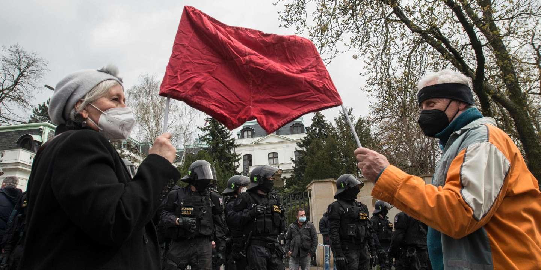 Prague accuse le renseignement militaire russe d'être à l'origine de l'explosion d'un dépôt de munitions en 2014
