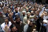 Des partisans du parti islamiste radical Tehrik-e-Labbaik Pakistan (TLP), àPeshawar, dans le nord du Pakistan, le 19avril.