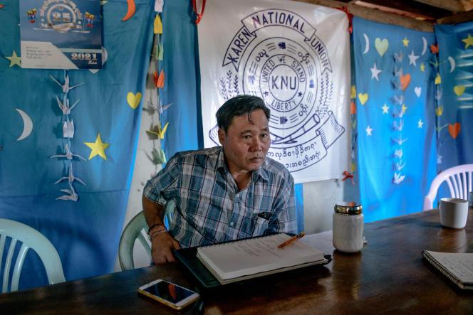 Padaw Latun, numérocinq de l'Union nationale karen (KNU)au QG de l'organisation, à Lay Wah, dans l'Etat de Karen (Birmanie), à la frontière avec la frontière thaïlandaise, le 11 avril.