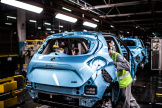 Le modèleZoe, chez Renault, estdiffusé à 72% en LOA. Ici, la chaîne de montage, à Flins-sur-Seine (Yvelines), le 6 mai 2020.
