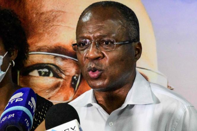 La formation du premier ministre du Cap-Vert, Ulisses Correia e Silva, ici à Praia dimanche 18 avril,était crédité de 36 des 72 sièges de l'Assemblée nationale, selon des résultats partiels dans la soirée.