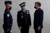 Recrutement de policiers et lutte contre le trafic de drogue… comment Emmanuel Macron veut occuper le terrain sécuritaire