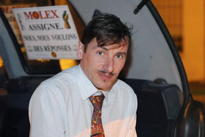 Rémy Daillet participe à une « grève du froid» devant l'usine Molex pour protester contre sa fermeture, àVillemur-sur-Tarn (Haute-Garonne), en 2009.