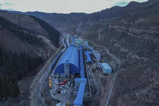 Une mine de charbon dans le comté de Hutubi, dans la région autonome ouïghoure du Xinjiang (nord-ouest de la Chine), le 11 avril.