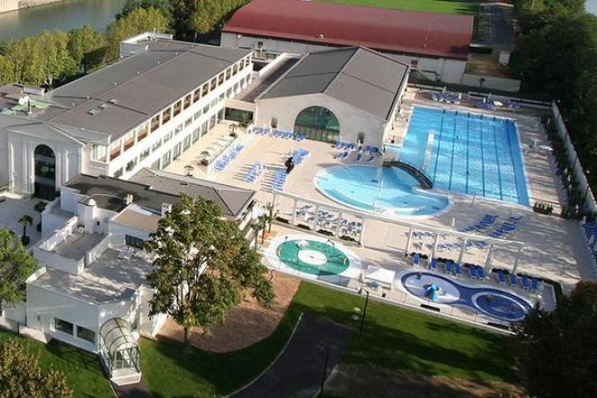 La piscine extérieure de Puteaux.