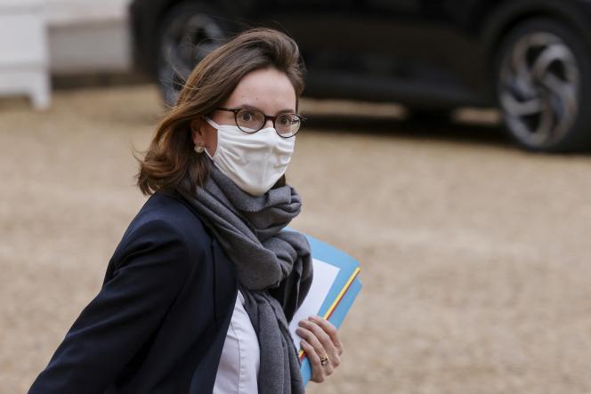 La ministre dela transformation et de la fonction publiques, Amélie de Montchalin, quitte l'Elysée, le 13 janvier 2021.