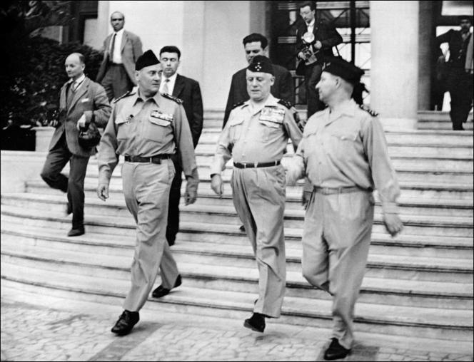 De gauche à droite: les généraux français putschistes Edmond Jouhaud, Raoul Salan et Maurice Challe, à Alger, le 23avril 1961