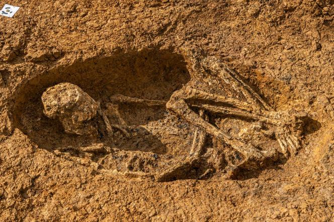 De lichamen werden op zichzelf opgevouwen gevonden, zoals hier het geval is, in Burial 67 in Abemes (Guadeloupe).