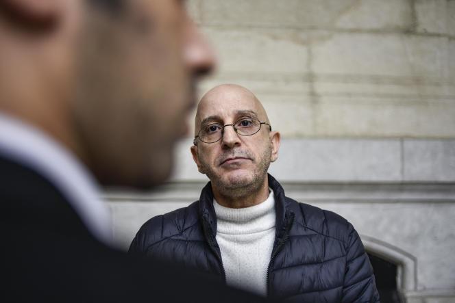 Investigador Saïd Djabelkhir en la corte de Sidi M'hamed, en Argel, 22 de abril de 2021.
