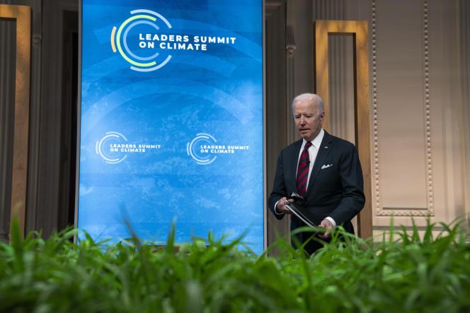 Joe Biden lors du sommet des leaders mondiaux sur le climat, auquel il participe par visioconférence depuis la Maison Blanche, le 22 avril.