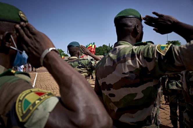 Des militaires maliens lors du 60eanniversaire de l'indépendance du Mali, à Bamako, le 22septembre 2020.