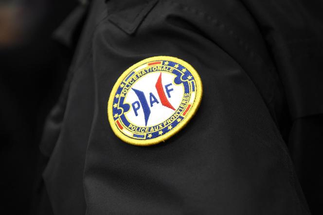 Le badge d'un agent de la police des frontières (La Direction centrale de la police aux frontières - DCPAF), le 10 décembre 2020.