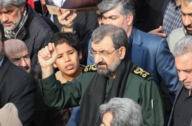 L'ex-commandant des gardiens de la révolution, Mohsen Rezaï, participe à une manifestation à Téhéran, le 3 janvier 2020, à la suite du bombardement américain qui a causé la mort dugénéral Qassem Soleimani à Bagdad.