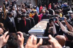 Le cercueil de Daunte Wright devant le Shiloh Temple International, le 22 avril 2021, à Minneapolis (Minnesota).