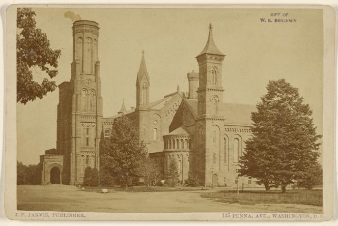 L'Institut smithsonien, àWashington, vers 1875. Photographie de John F. Jarvis.