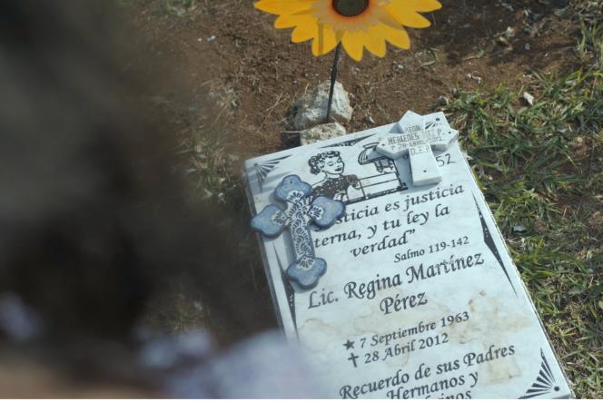La tombe de Regina Martínez. Lajournaliste, qui travaillait pour l'hebdomadaire mexicain « Proceso», a été assassinée en avril 2012.