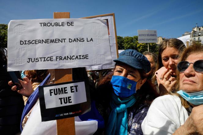 Rassemblement pour demander le jugement de Kobili Traoré, le meurtrier de Sarah Halimi, déclaré irresponsable pénalement,le 25 avril à Paris.