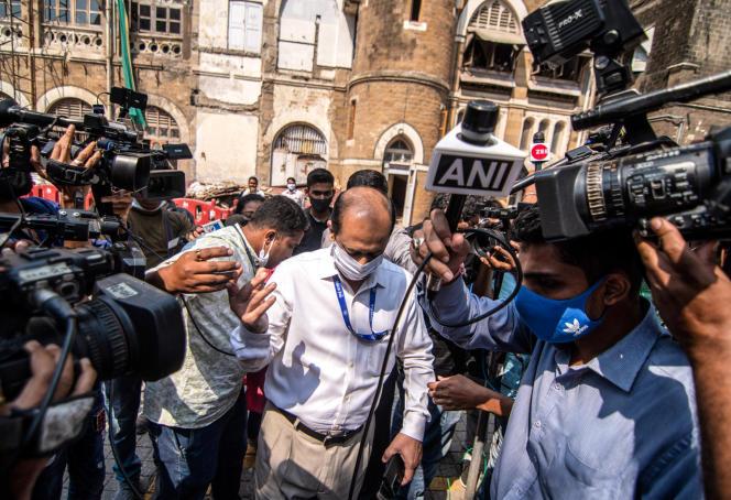 Le commissaire Sachin Waze (ici le 10 mars 2021 à Mumbai) a été démis de ses fonctions et est aujourd'hui inculpé de meurtre.