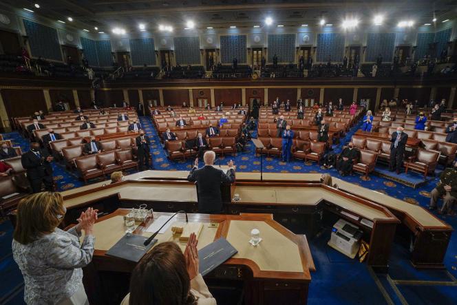 Le président américain, Joe Biden, s'adresse au Congrès, au Capitole, à Washington, le 28 avril 2021.