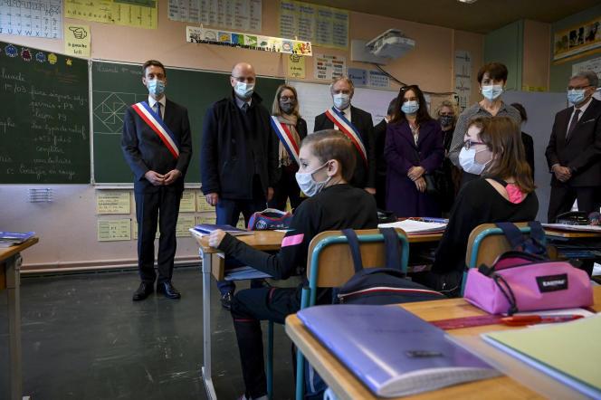 Le ministre de l'éducation nationale Jean-Michel Blanquer, en déplacement à Lavoncourt (Haute-Saône), le 1er mars.