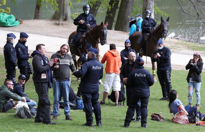 Lors du rassemblement au Bois de la Cambre, à Bruxelles, le 1er mai 2021.