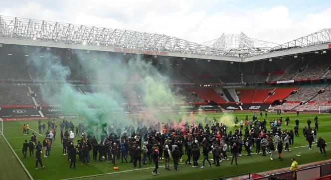 Football : le match entre Manchester United et Liverpool reporté après l'intrusion de supporteurs sur la pelouse