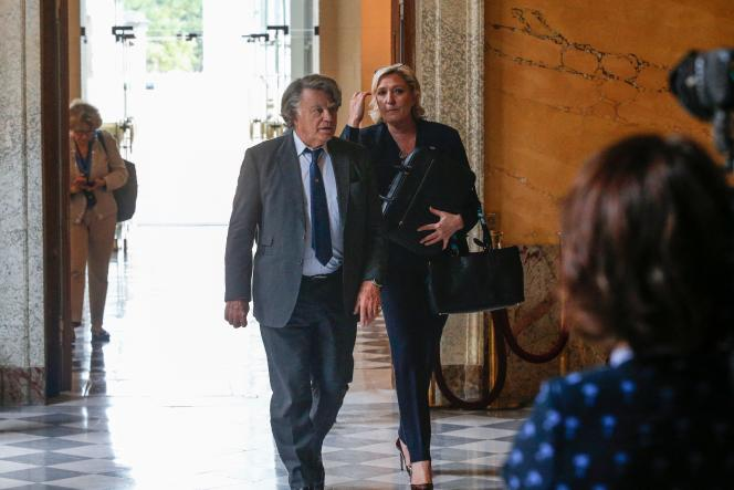 Marine Le Pen et Gilbert Collard, en juin 2017 à l'Assemblée nationale.