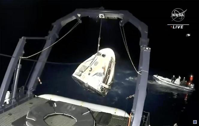 Kapsuła SpaceX Crew Dragon została znaleziona w Zatoce Meksykańskiej po powrocie na Ziemię 2 maja 2021 roku.