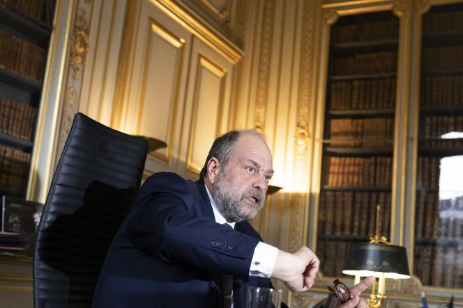 Eric Dupond-Moretti, avocat pénaliste et actuellement ministre de la justice, dans son bureau place Vendôme, à Paris, le 12 avril 2021.