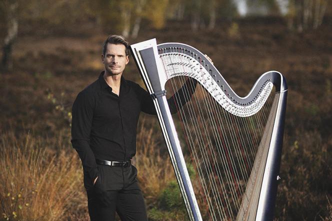 La harpe Salvi de Xavier de Maistre est inspirée de l'architecture de l'Empire State Building et du Chrysler Building de New York.