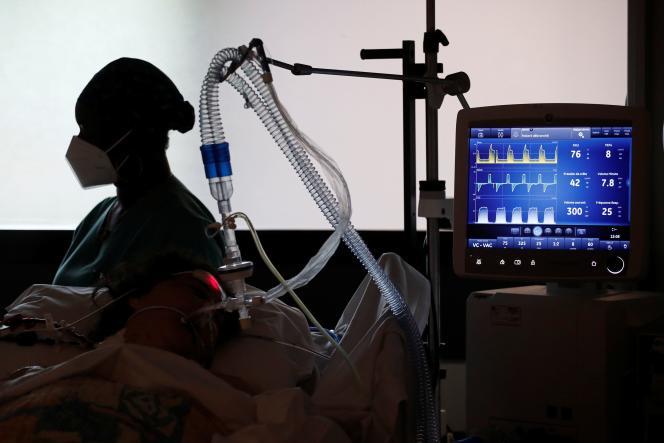 Au Centre Cardiologique du Nord, hôpital privé à Saint-Denis.