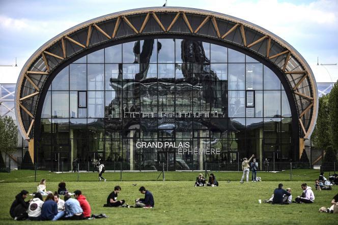 Le Grand Palais éphémère, installé sur le Champ-de-Mars, à Paris, le 3 mai 2021.