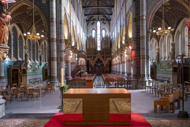 Après six ans de travaux, la première messe a été célébrée dimanche 18 avril dans l'église Saint-Joseph de Roubaix (Nord).