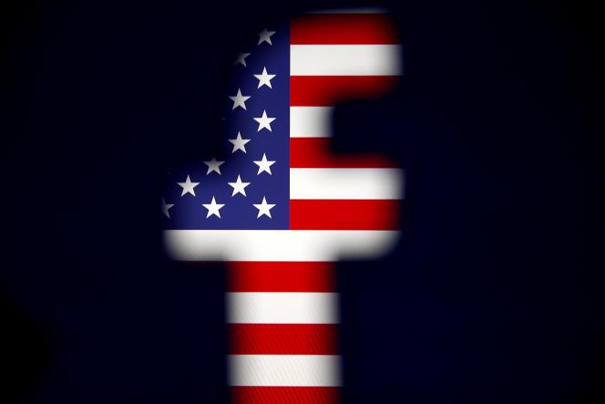 Amerykańska flaga w logo Facebooka.