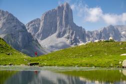 Le lac et les aiguilles d'Ansabère.